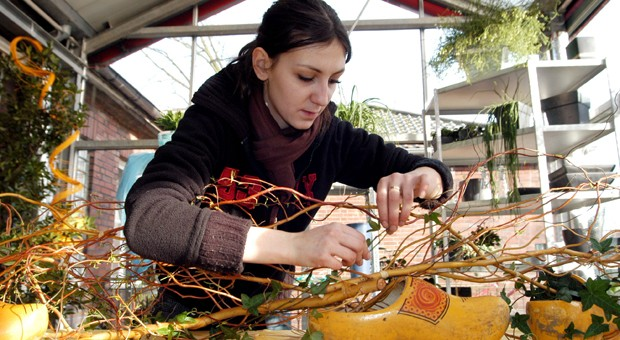 Berufsausbildung zur Floristin in Dortmund: Bewerber mit ausländischen Wurzeln stoßen bei der Lehrstellensuche noch häufig auf Vorbehalte in Unternehmen.