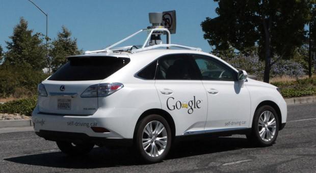 Auch Google baut am Auto der Zukunft: Hier ein selbstfahrendes Modell mit Technik von Google im kalifornischen Mountain View, USA.
