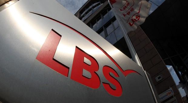 Die Stiftung Warentest  rügte in ihrem Test unter anderem die Beratung eines Mitarbeiters der Bausparkasse LBS in Bayern.