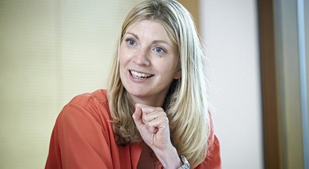 """Valerie Brönström, Gründerin der Fitness-Kette Mrs. Sporty, sieht die Minus-Zinsen skeptisch: """"Wenn ich nicht davon profitiere, dass mein Geld bei der Bank arbeitet: Was ist dann das Geld noch wert?"""""""