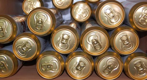 Leicht, transportfähig, unzerbrechlich: Getränke in Dosen  werden wieder beliebter.