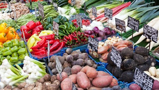 Neben den Energiepreisen sind auch die Kosten für Lebensmittel in Deutschland für die Verbraucher gesunken.