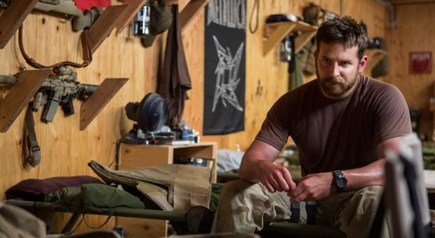 """Bradley Cooper spielt im Irak-Drama """"American Sniper"""" den treffsicheren Elitesoldaten Chris Kyle."""