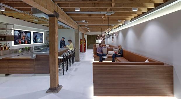 Eher Café als Arbeitsplatz: Das kalifornische Start-up  Giant Pixel gehört zu den Vorreitern der modernen Bürogestaltung.