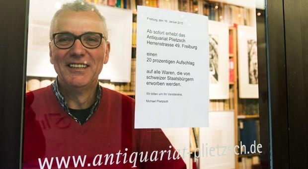 Kein Interesse an Umsatzmaximierung: Der Freiburger Antiquar Michael Plietzsch will Schnäppchenjäger von seinem Laden fernhalten