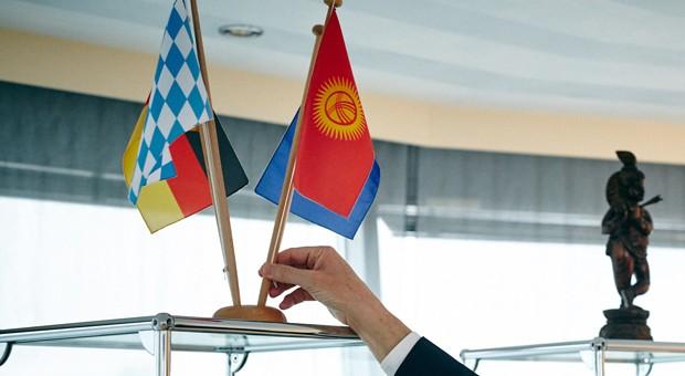 Wirtschaft trifft Politik: Viele Unternehmer engagieren sich als Diplomaten.