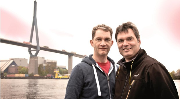 Wollen kleinen Online-Händlern den Paketversand erleichtern: Stefan Hollmann und Claus Fahlbusch, Gründer von Shipcloud