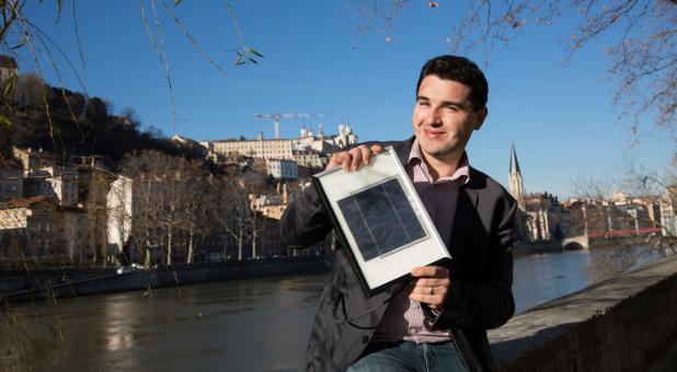 Sonnige Aussichten: Manuel Emig hat in Lyon das Solar-Start-up Soloréa gegründet. An der Saône geht er gerne spazieren.