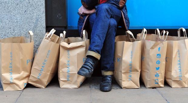 Die Modekette Primark hat noch keine Pläne für einen Online-Shop und setzt weiterhin auf Geschäfte in den Innenstädten.