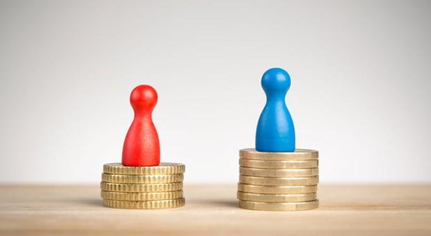 Wie im Neandertal: Frauen verdienen auch bei gleicher Qualifikation und Leistung weniger als Männer. Daran hat sich in den letzten 20 Jahren kaum etwas geändert.