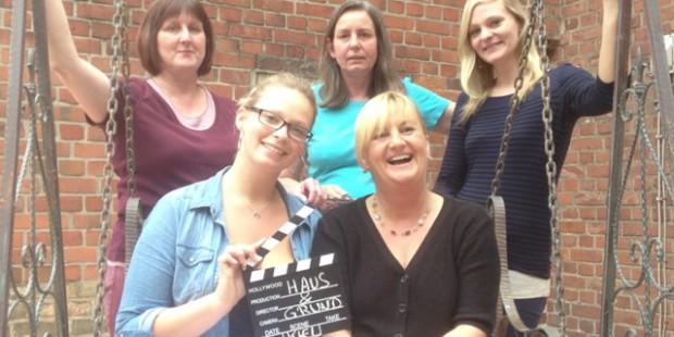 Gemeinschaftssinn durch Gemeinschaftsfilm: Das Team von Haus & Grund bei den Dreharbeiten