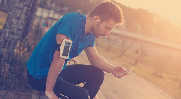 Smartphone statt Muckibude: Online-Fitnessstudios werden immer beliebter.