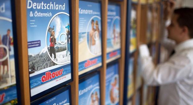 """""""Das Reisebüro hat noch nicht ausgedient"""": Blick in eine Filiale von Alltours."""