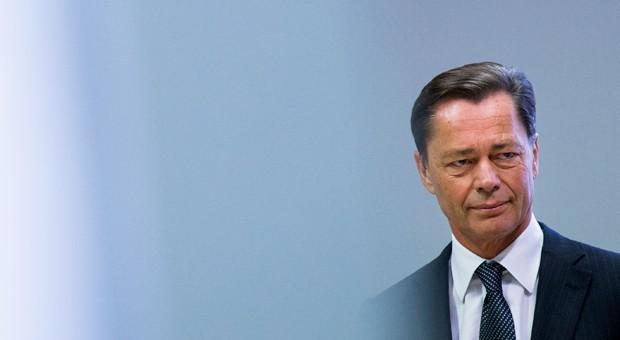 Der ehemalige Vorstandsvorsitzende von Arcandor, Thomas Middelhoff, im Landgericht in Essen (Nordrhein-Westfalen) im November 2014.