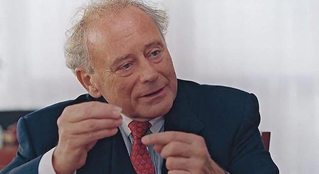 """Seit 80 Jahren auf der Welt, seit 65 Jahren im Unternehmen. Reinhold Würth wurde mit 14 von seinem Vater aus der Schule genommen. Trotzdem trägt er heute den Titel """"Prof. Dr. h.c. mult."""""""
