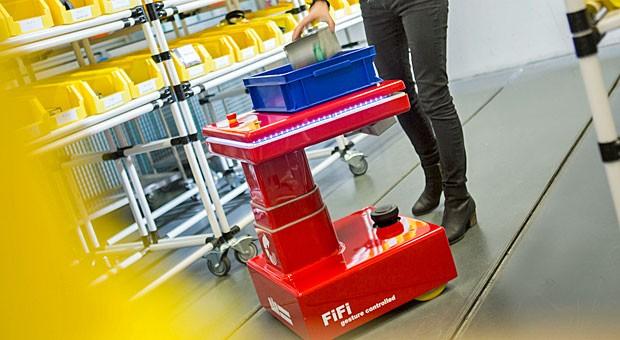 """Folgt seinem Nutzer überallhin: Transportroboter """"Fifi"""" im Einsatz"""