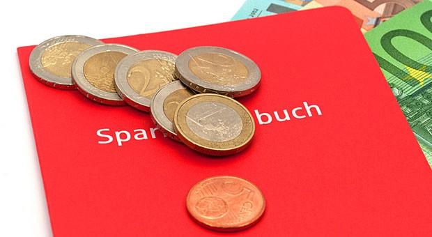 Sparbuch: Trotz Minizinsen immer noch eine beliebte Anlageform