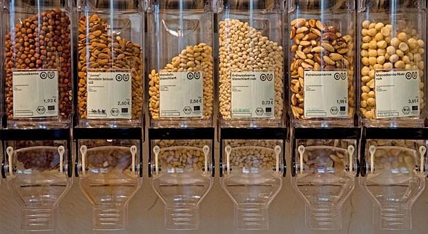 Unverpackt-Supermarkt in Berlin: Gründerin Sartin setzt nicht nur auf alternativen Konsum, sondern auch auf alternative Finanzierung