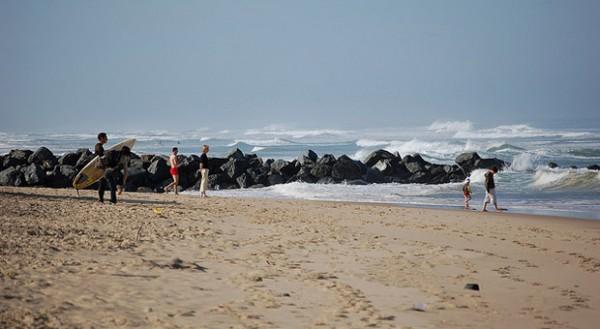 Die Atlantik-Küste von Lacanau ist eine gute Stunde westlich von Saint-Émilion.