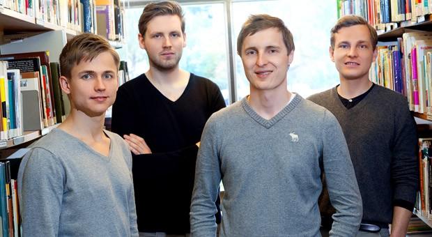 Geschäftstüchtige Bücherwürmer: Die Gründer des Berliner Start-ups Blinkist fassen 1000 Sachbücher jährlich zusammen.