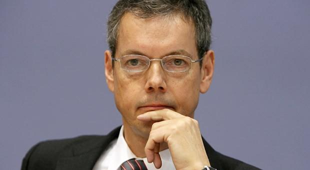 """Der Wirtschaftsweise Peter Bofinger plädiert im Nachrichtenmagazin """"Der Spiegel"""" für eine Bargeld-Abschaffung."""