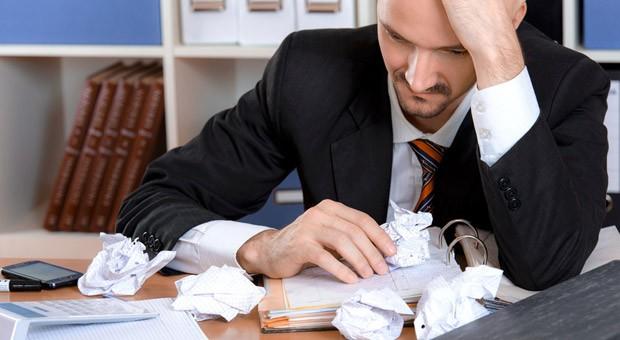 Unter Stress  kann Entscheiden unmöglich erscheinen. Was jetzt am besten hilft: abschalten - zumindest kurz.