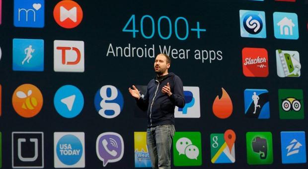 David Singleton, Direktor von Google Android Wear, stellt während der Entwicklerkonferenz Google I/O in San Francisco neue smarte Apps vor.