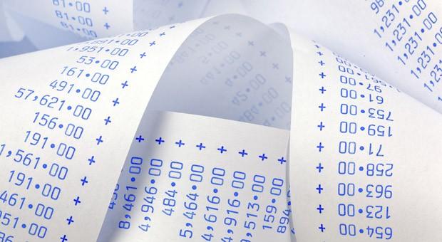 Rechnungen schreiben und dokumentieren ist lästiger Papierkram für Unternehmer. Online-Tools sparen Papier und helfen, den Überblick zu bewahren.