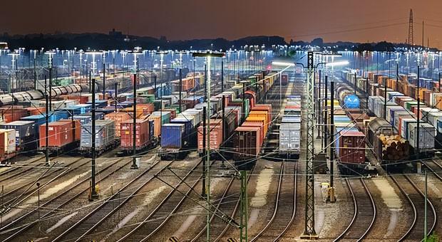 Güterzüge am Rangierbahnhof Maschen: Wegen des Bahnstreiks fallen zahlreiche Warentransporte aus.