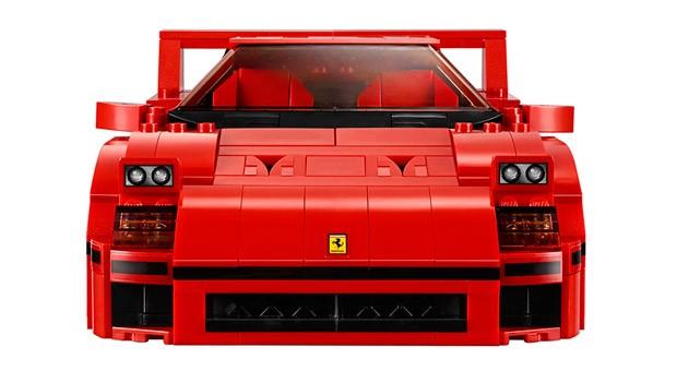 Den Kult-Ferrari F40 hat Lego aus 1158 Teilchen nachgebaut.