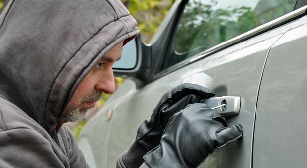 Autodiebstahl: Die Anzahl der Diebstähle geht deutschlandweit zwar zurück, in einigen Gegenden steigt die Zahl jedoch auch.