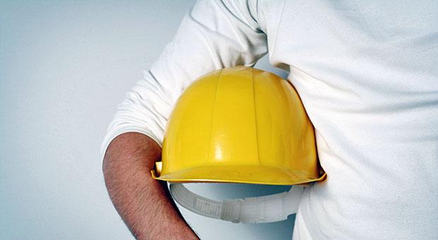 An die Arbeit! Arbeitgeber, die Ferienjobber einstellen wollen, sollten sich allerdings vorher über die Rechtslage schlau machen.