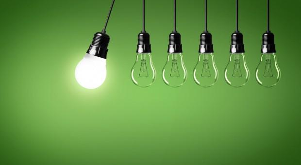 """Licht aus? """"Als Stromkonsumenten sind die Unternehmen auf wettbewerbsfähige Strompreise angewiesen"""", schreibt Mario Ohoven vom BVMW."""