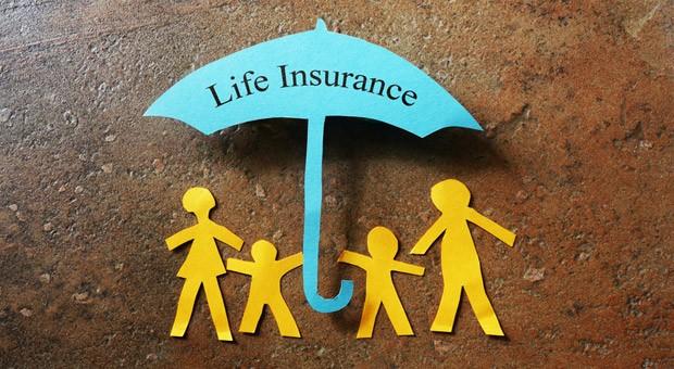Der Bundesgerichtshof hat der Ex-Frau eines Versicherten jetzt rund 34.500 Euro aus einer Lebensversicherung zugesprochen.
