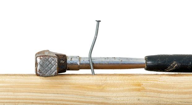 Bei Unternehmern führen Fehlschläge nicht nur zu krummen Nägeln, sondern unter Umständen zum Scheitern der Firma.