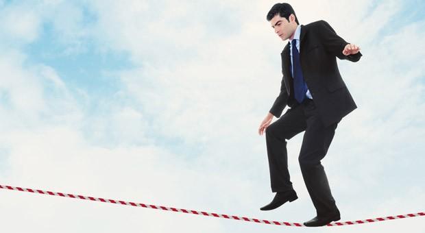 Ein Konfliktgespräch mit einem Mitarbeiter zu führen ist oft ein Drahtseilakt.