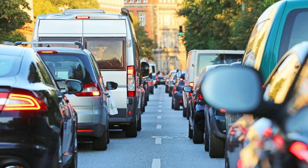 Stillstand: Stau gehört zum Alltag auf den Straßen in vielen deutschen Städten.