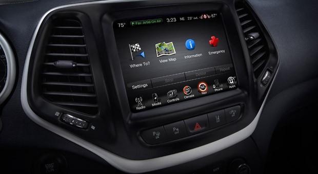Das Infotainment-System Uconnect im Jeep Cherokee wurde von IT-Spezialisten gehackt.