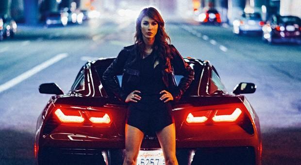 Für das Cover der 29. ramp-Ausgabe lichtete Fotograf Richard Thompson eine Corvette Stingray C7 vor dem historischen Palace Theater in Downtown Los Angeles ab. Aus der Serie stammen weitere Bilder ohne Palace Theater, dafür mit einer schönen Frau.