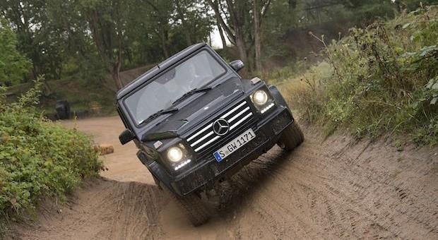 100 Prozent Steigfähigkeit, 54 Prozent Schräglage oder 60 Zentimeter Wattiefe: Der neue Mercedes-Benz G 350 d trumpft in puncto Offroadeigenschaften auf. Und sonst?
