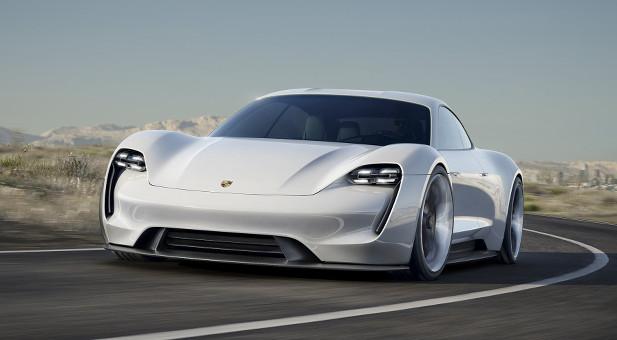 Auf der Internationalen Automobilausstellung präsentiert Porsche in diesem Jahr einen echten Tesla-Jäger.