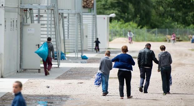 In Erstaufnahmeeinrichtungen - hier in Hamburg - suchen derzeit tausende Flüchtlinge nach Sicherheit.
