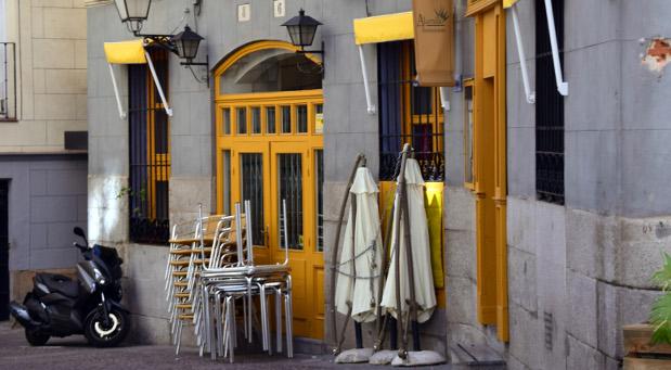 Menschenleere Straßen und geschlossene Läden: Während der Siesta sind die Städte in Spanien wie ausgestorben.