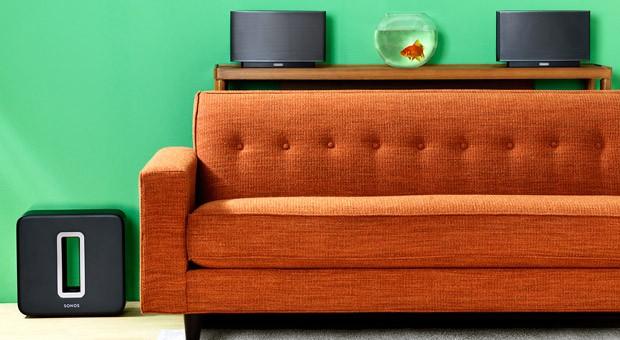 Kabellos vernetzte Lautsprecher in allen Räumen bietet unter anderem Multiroom-Pionier Sonos. Doch die Hersteller wollen nun noch einen Schritt weitergehen.