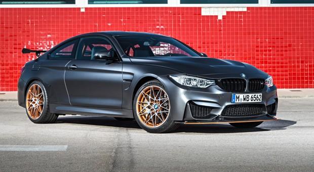 Spoiler und Schweller, wohin man schaut, ein verstellbarer Heckflügel für maximalen Anpressdruck und eine brüllende Sportauspuffanlage: Mit seinem sportlichen Anspruch hält der BMW M4 GTS nicht hinter dem Berg. Dazu ...