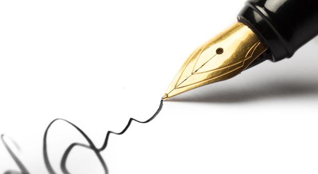 Mit Hilfe von Graphologie kann man anhand der Handschrift erkennen, ob ein Mensch Führungsstärke und Leistungswillen mitbringt.