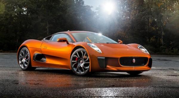 """Auch dieses Auto spielt eine wichtige Rolle im neuen James Bond-Film """"Spectre"""": der Jaguar C-X75."""