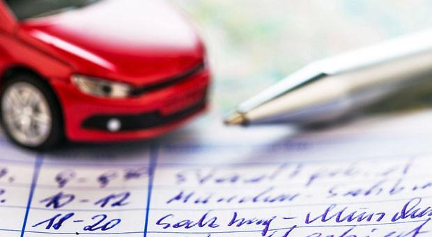 Fahrtenbuch mit Stift und Papier führen? Das war einmal. Mit Vimcar lassen sich die elektronisch erfassten Daten direkt vom Steuerberater weiterverarbeiten.