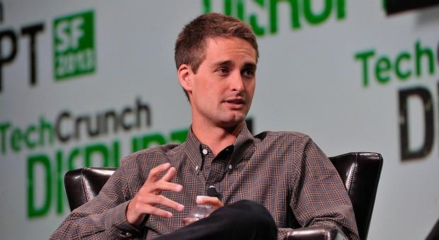 20- bis 29-Jährige: Mit einem Vermögen von 2 Milliarden Dollar ist Evan Spiegel nicht der reichste Mensch auf der Liste, aber der jüngste: Kein anderer Mensch zwischen 20 und 29 hat mehr Geld als er. Der 25-jährige Snapchat-Gründer warf sein Studium hin, um sich ganz auf sein Unternehmen konzentrieren zu können.