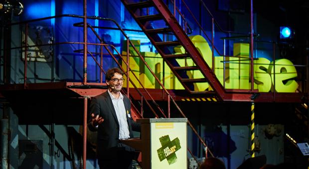 """""""Unsere Initiative soll dazu beitragen, für eine offenere Fehlerkultur zu werben – und damit Unternehmer zu stärken"""", sagte impulse-Chefredakteur Dr. Nikolaus Förster zur Eröffnung der impulse-Fehlerkonferenz."""